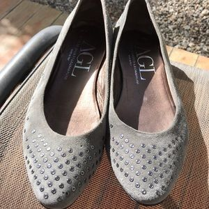 Beautiful AGL gray flats great condition